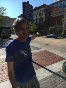 Stephen Powers giving tour of DC at WordCamp DC